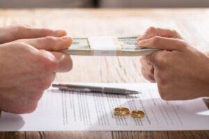 Quando richiedere revisione assegno di mantenimento